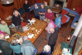 John Hedger explaining fungal spore prints © Tim Davis